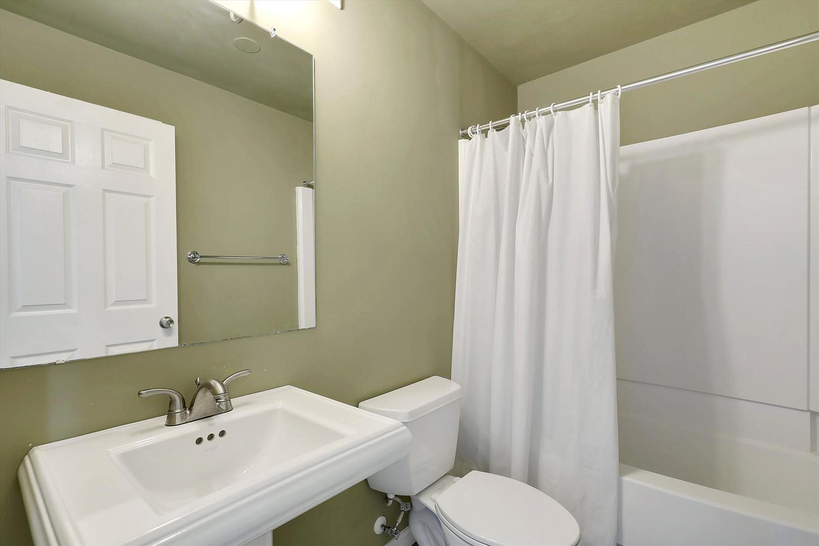Balmoral 107C - Bathroom 1