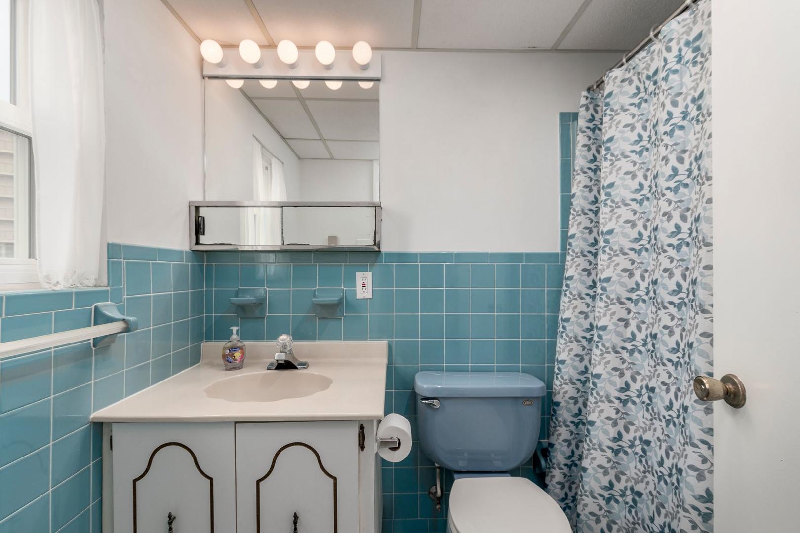 Oceanside 136 6 - Bathroom 1