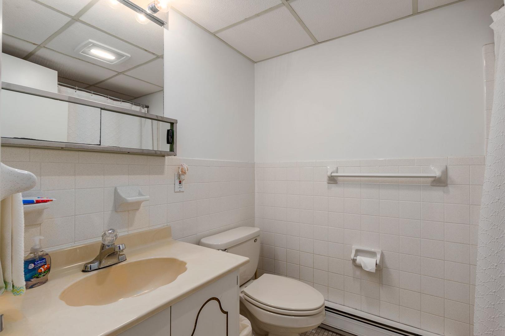 Oceanside 136 6 - Bathroom 2