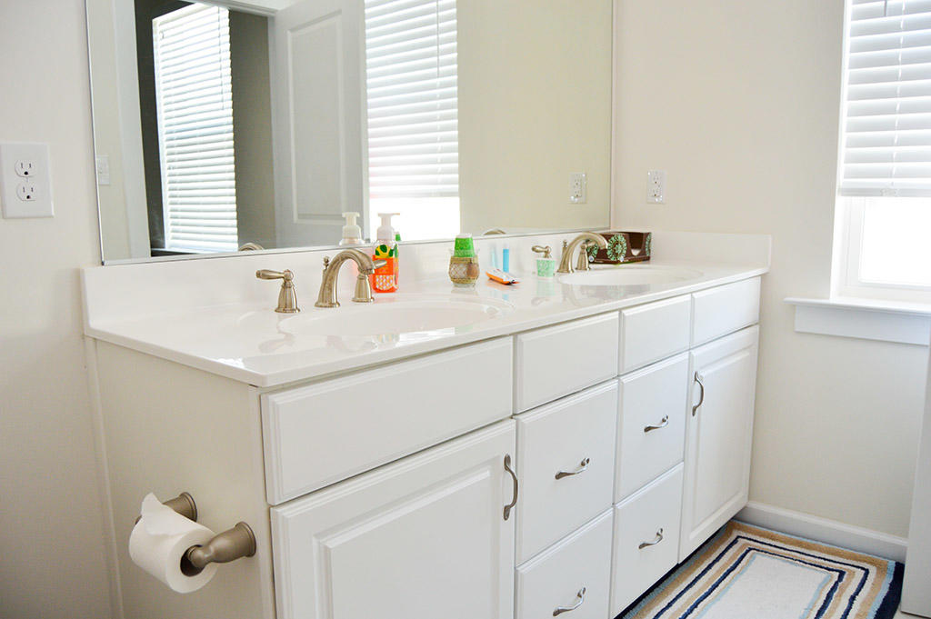 Broad Marsh 111C - Master Bathroom