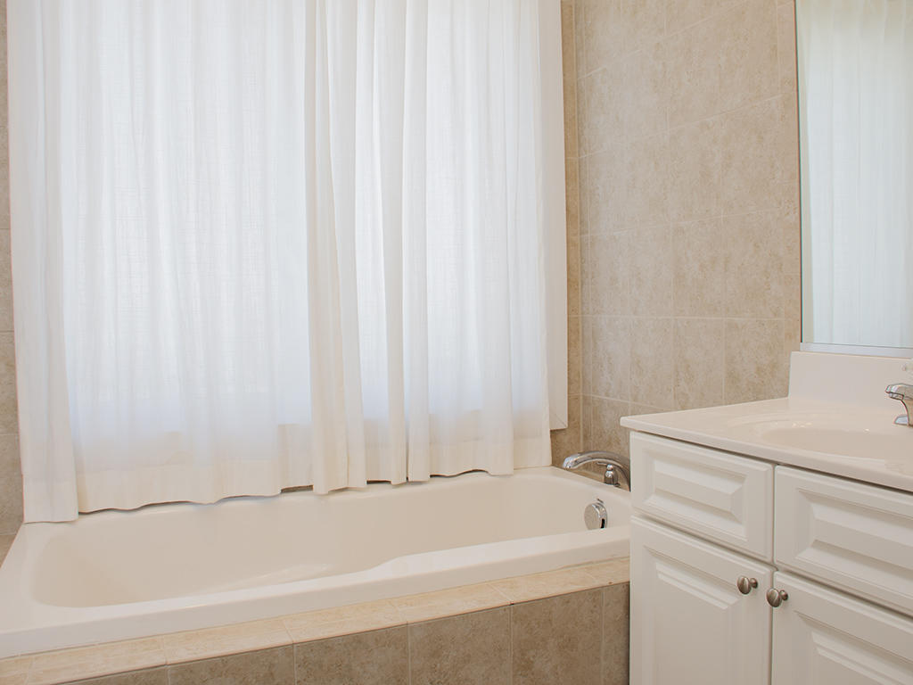 St Kitts, 401 - Second Bathroom