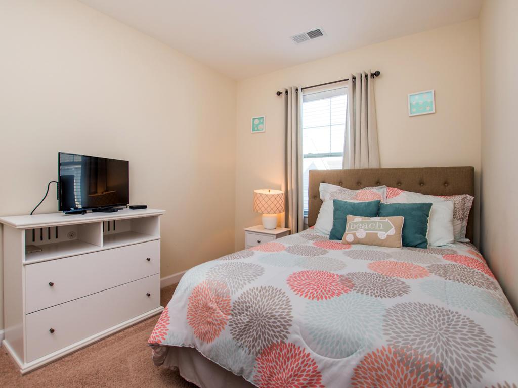 Broad Marsh, 114E - Second Bedroom (Queen Bed)