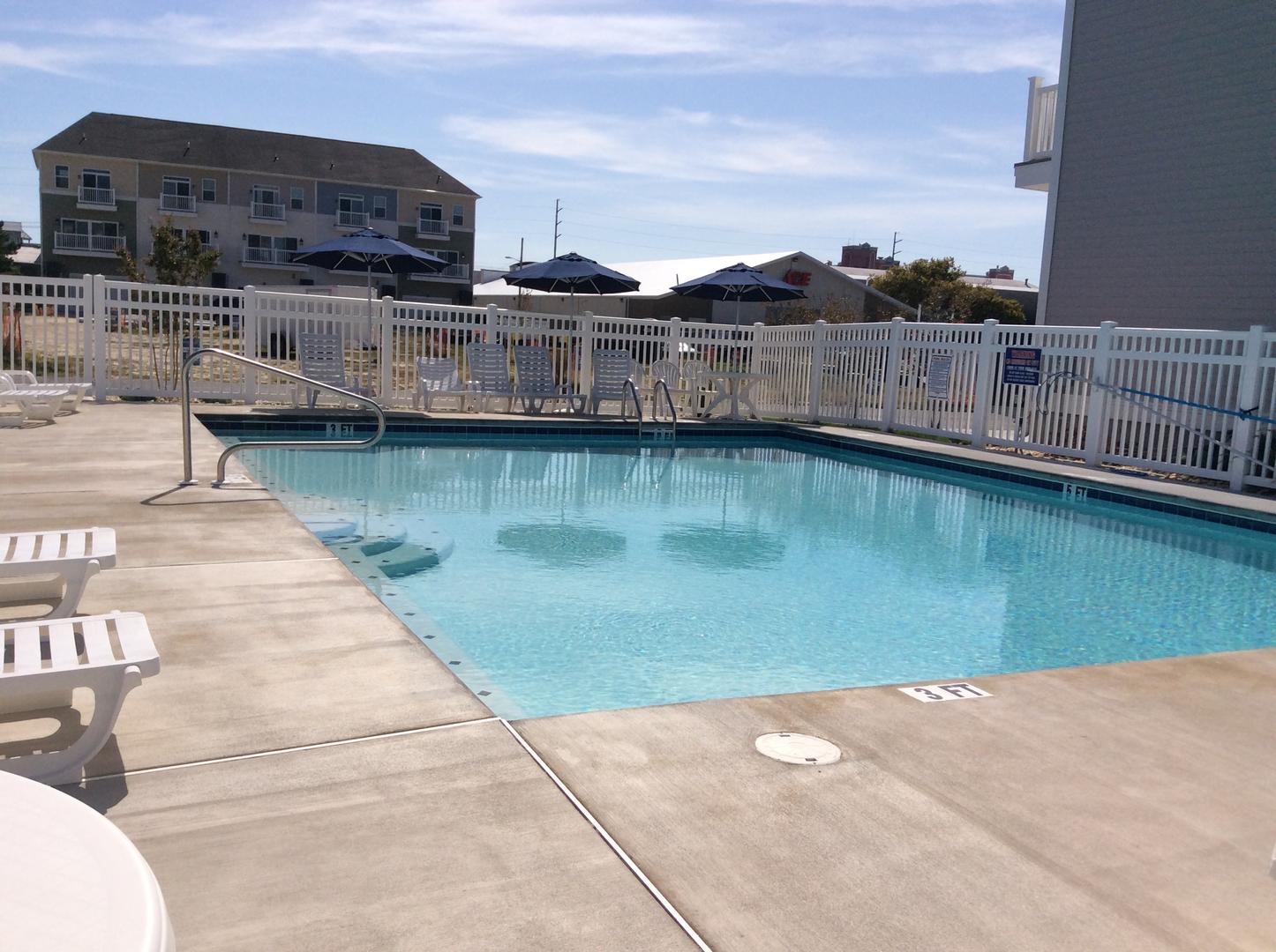 Broad Marsh, 114E - Pool Area
