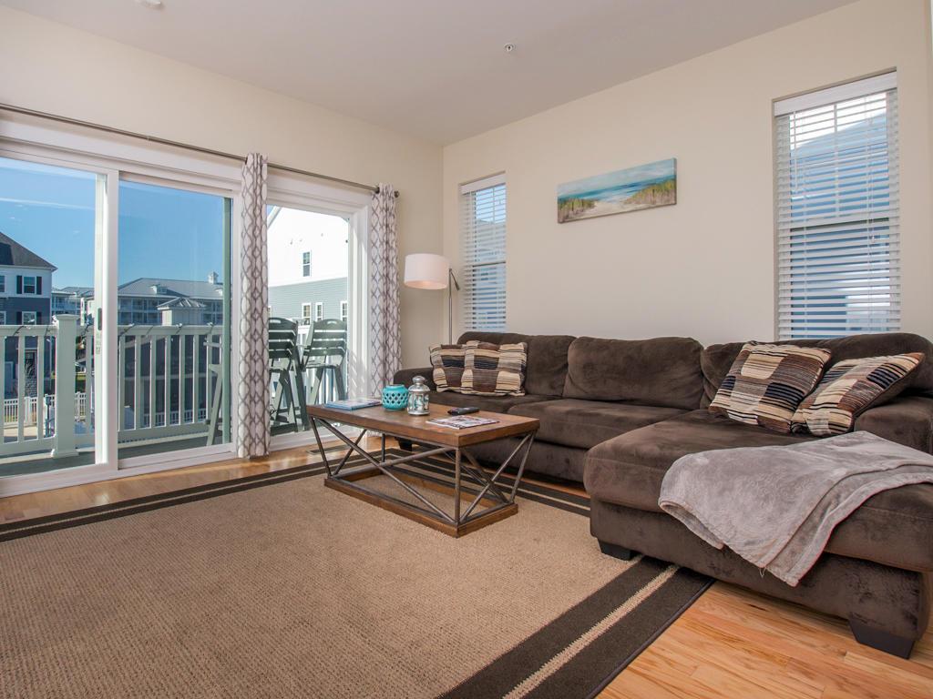 Broad Marsh, 114E - Living Room