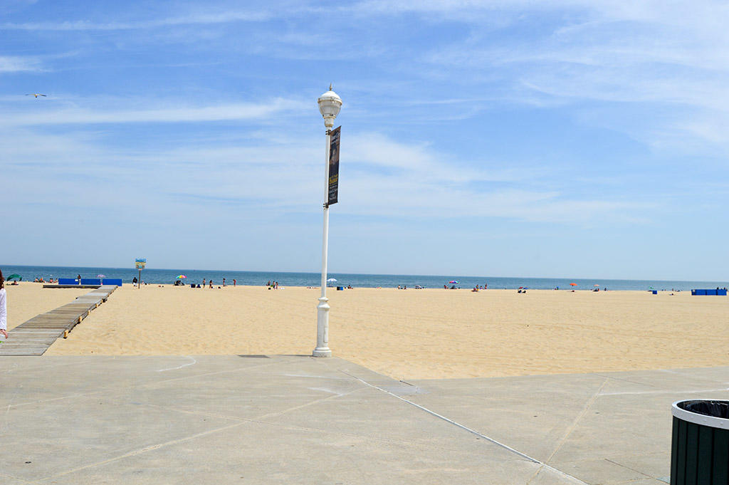 6 2nd Street - Beach Entrance