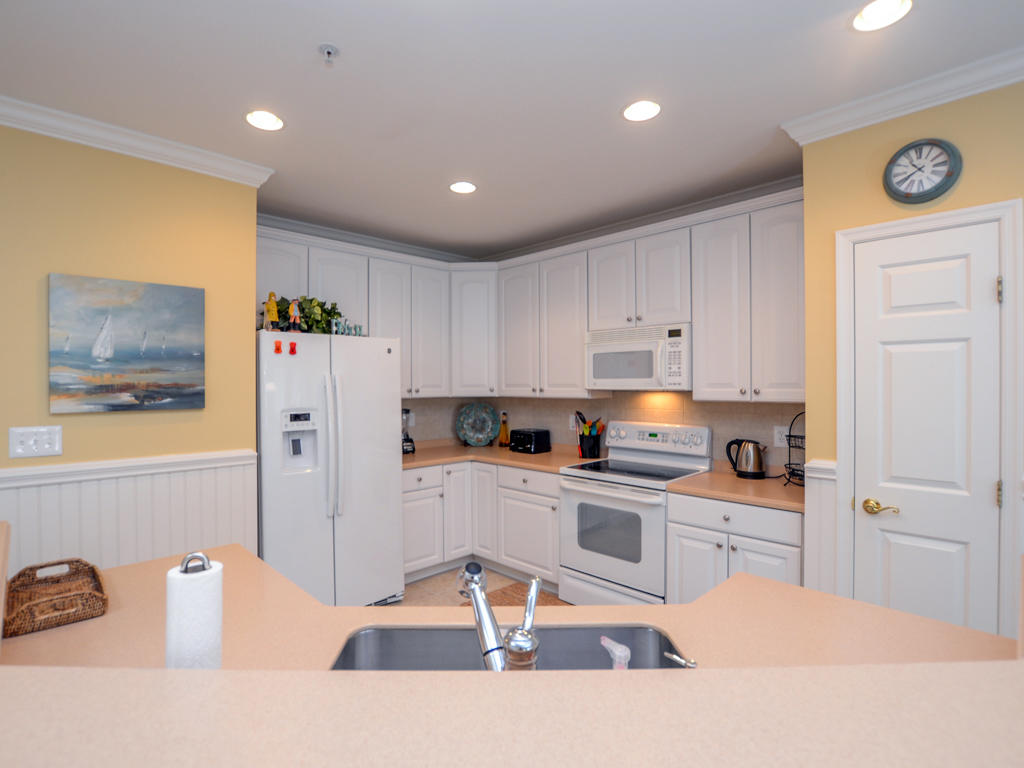 Sunset Island,  2 Fountain Drive East, 3A - Kitchen Area