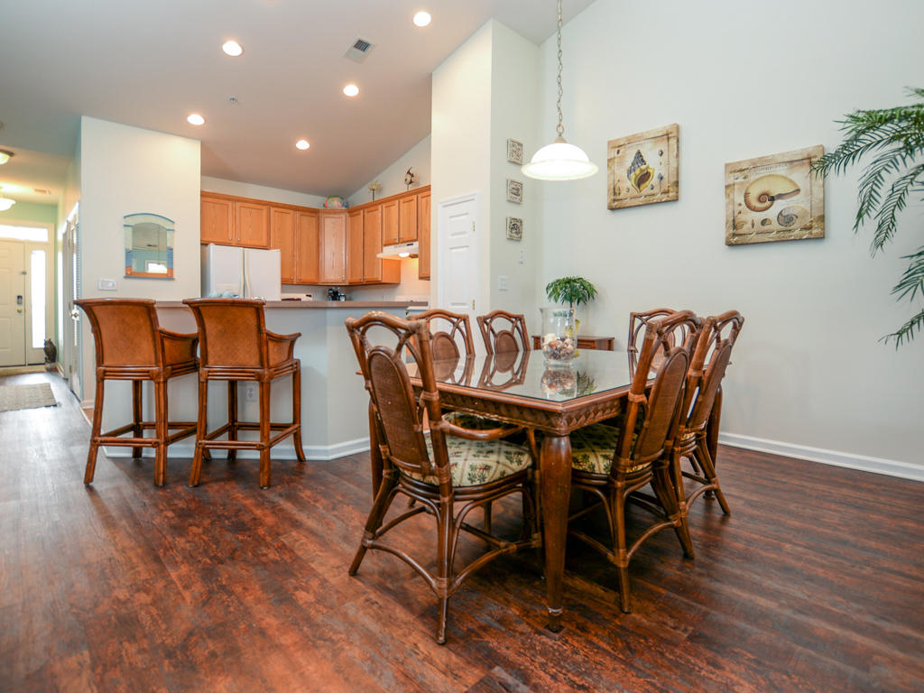 Sunset Island, 4 Fountain Drive East, 4B - Dining and Kitchen Area