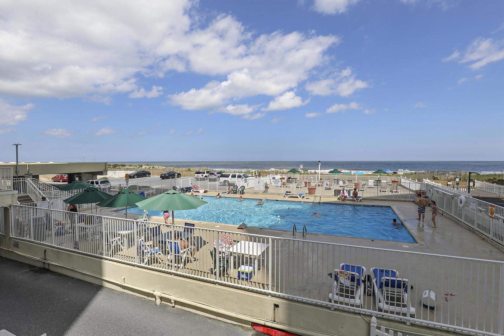 Quay Outdoor Pool (open seasonally)