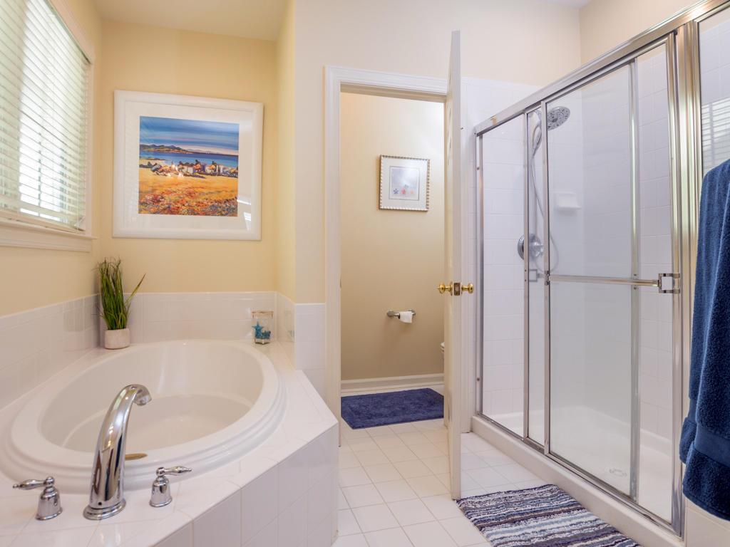 Sunset Island, 53 Island Edge Drive - Master Bathroom