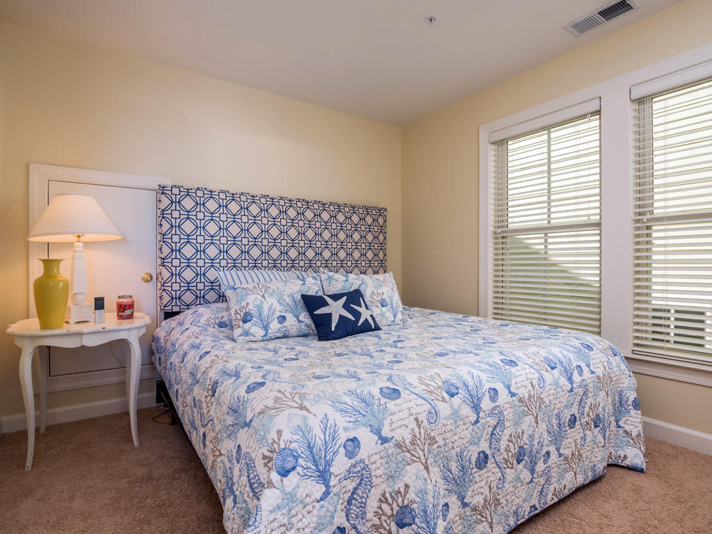 Sunset Island, 53 Island Edge Drive - Top Floor Bedroom