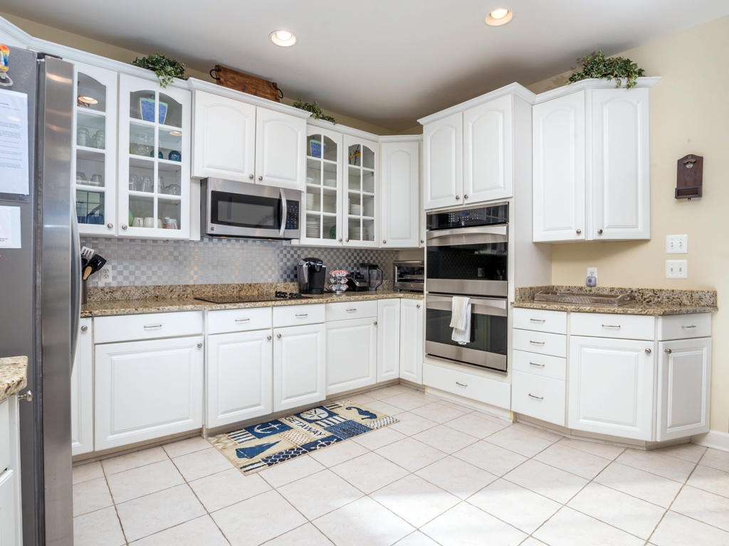 Sunset Island, 53 Island Edge Drive - Kitchen