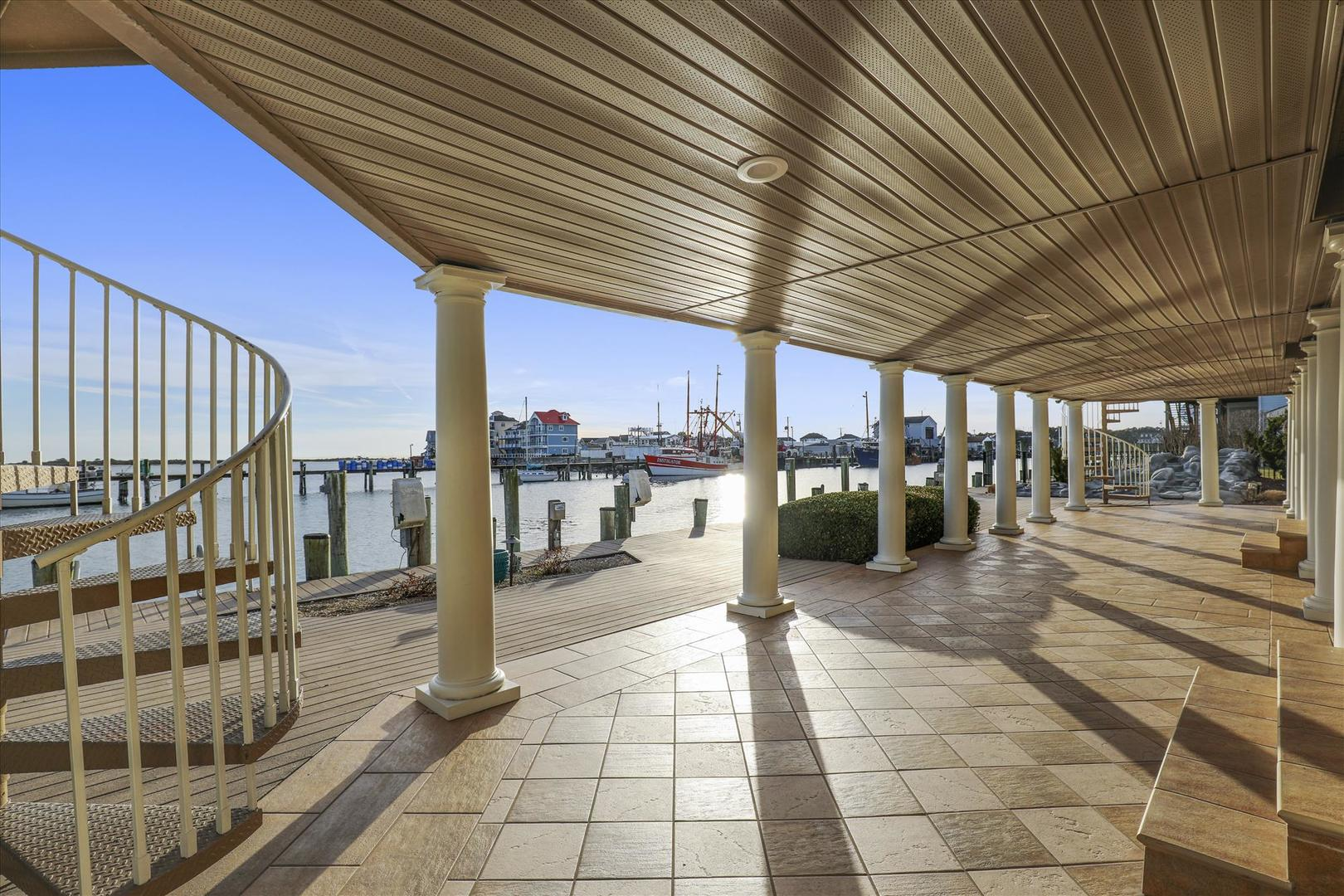 12938 Sunset Ave. - Spacious Waterfront Patio
