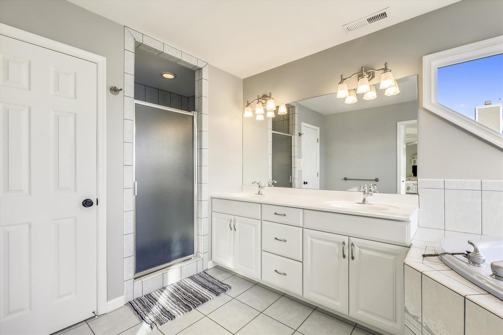 12938 Sunset Ave. - Upper Level Master Bathroom