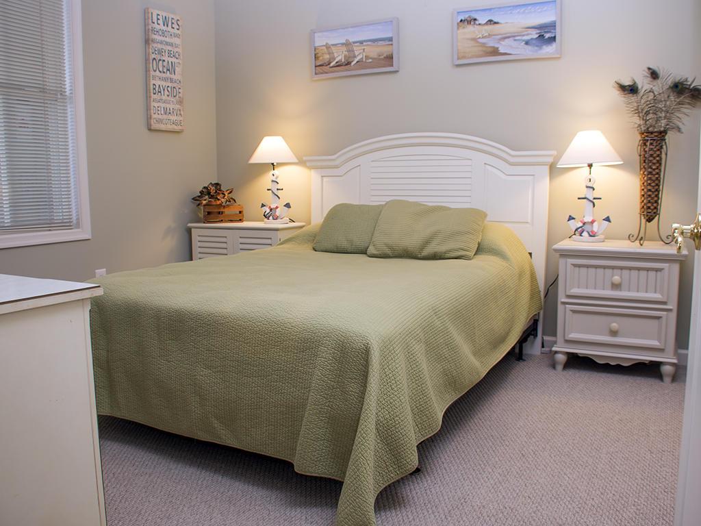 Sunset Island, 2 Hidden Cove Way, 2D - Second Bedroom