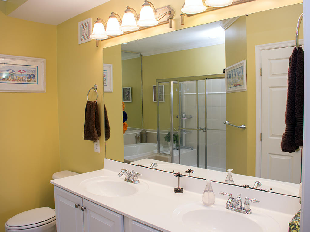Sunset Island, 2 Hidden Cove Way, 2D - Master Bathroom