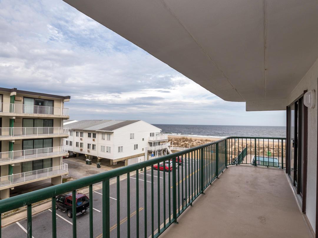 Summer Beach 307 Balcony