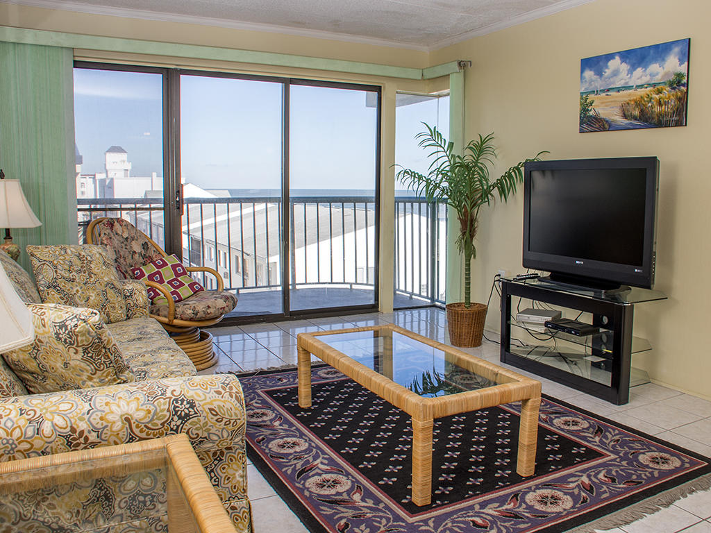 Summer Beach, 406 -Living Room