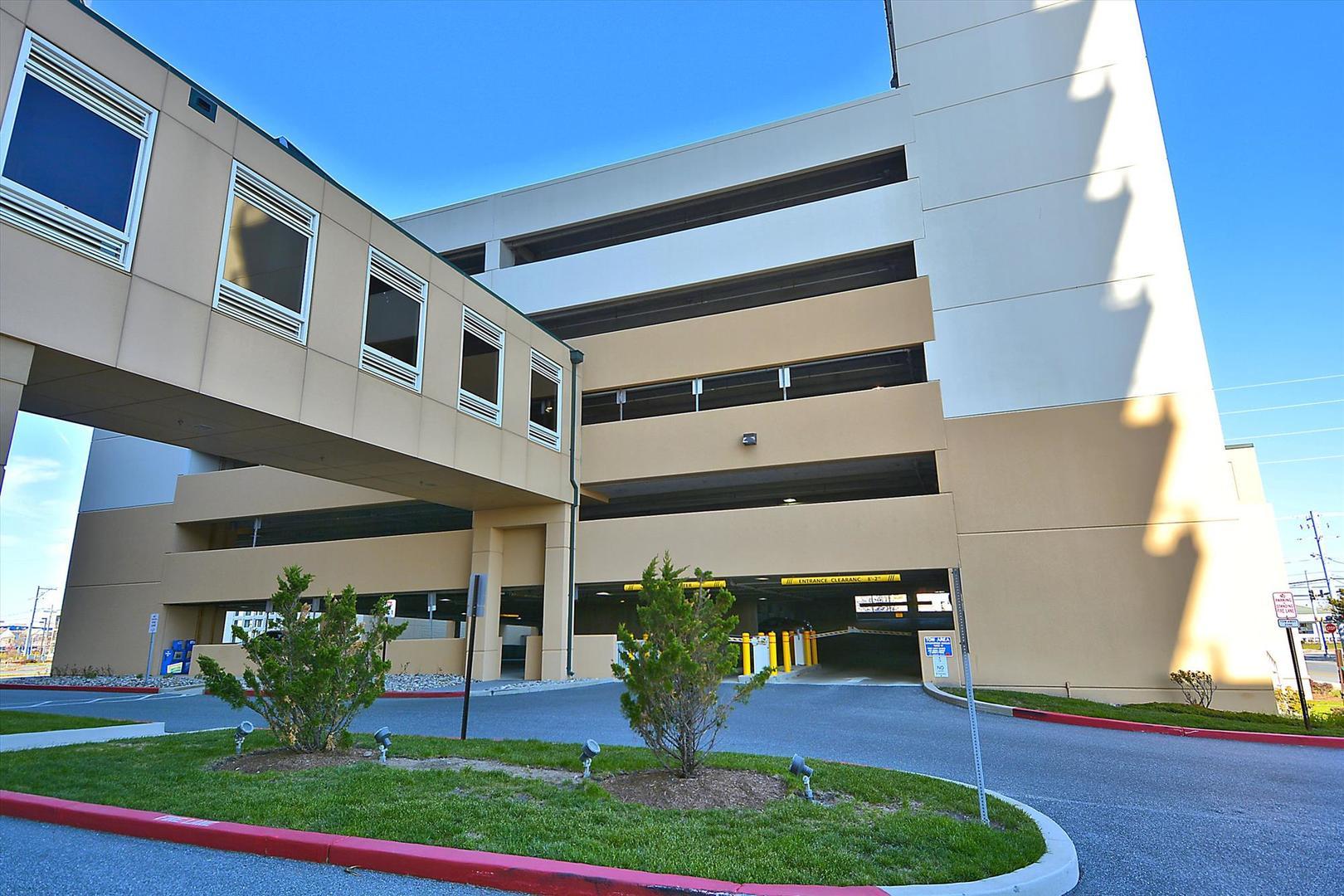 Gateway Grand Parking Garage