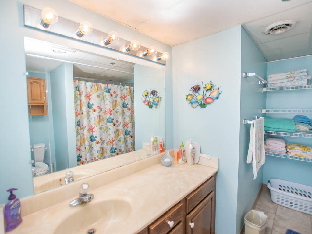 Summer Beach. 806 - Master Bathroom