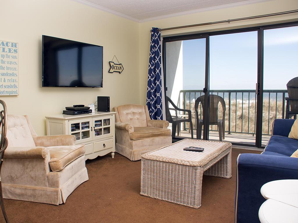 Summer Beach, 102 - Living Room