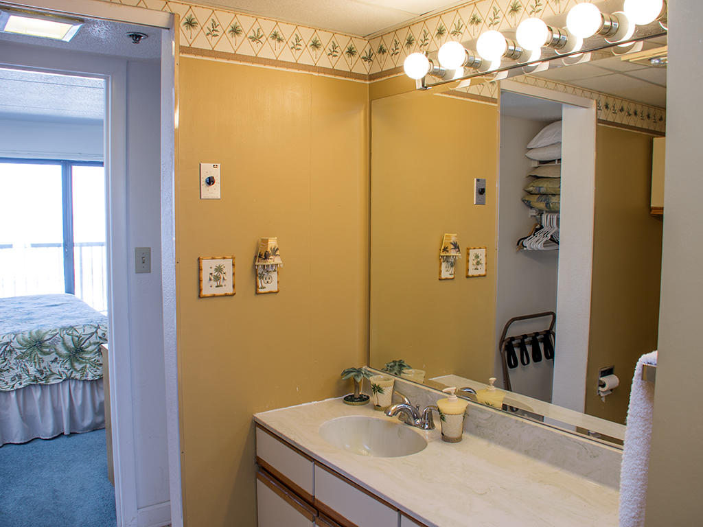 Summer Beach, 805 - Master Bathroom