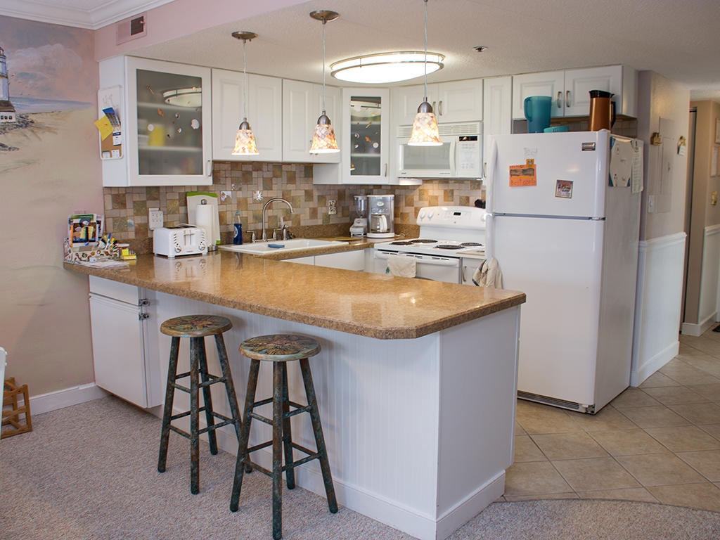 Summer Beach, 104 - Kitchen Area