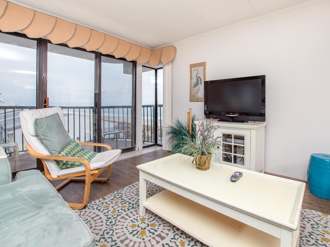 Summer Beach, 405 - Living Room