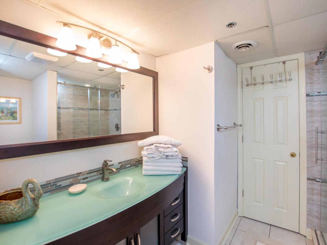 Summer Beach, 405 - Master Bathroom