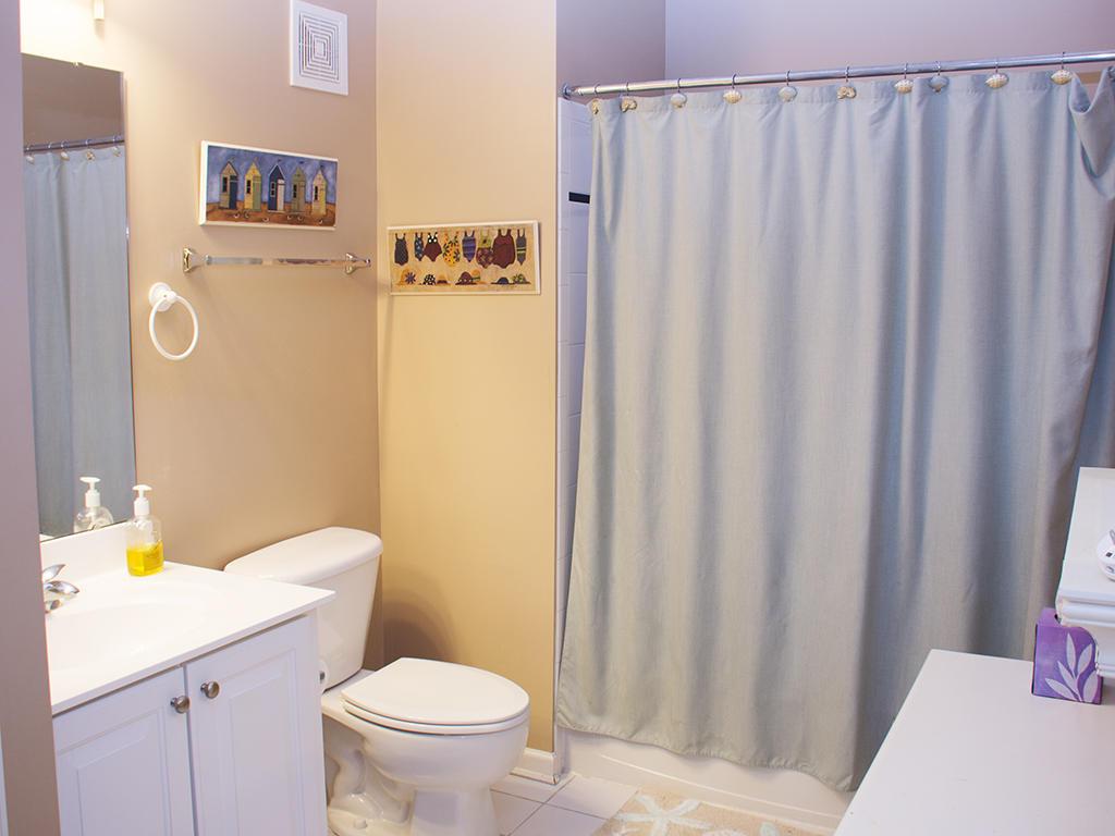 Sunset Island - 4 Fointain Drive East, 3A - Second Bathroom