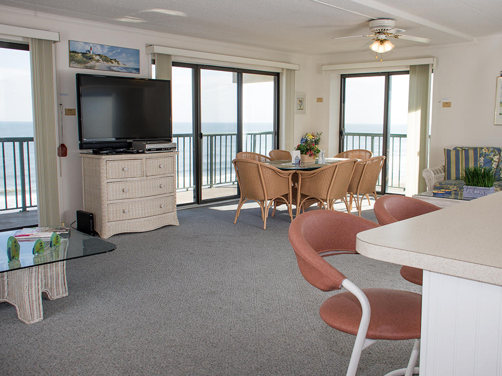 Summer Beach, 601 - Living Room Area