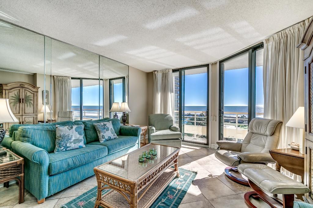 Ocean Creek, D5 - Living Room