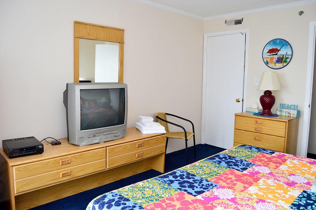 Summer Beach 204- Master Bedroom
