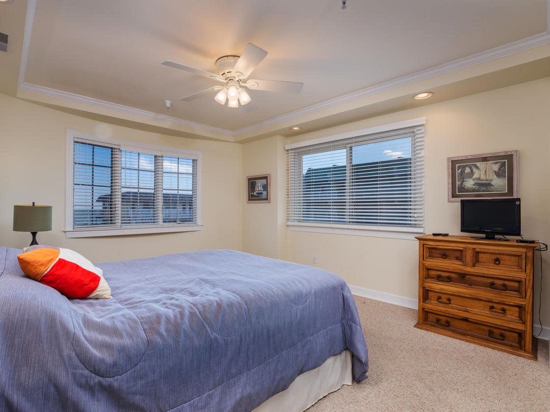 Artesia, 302 - Third Bedroom