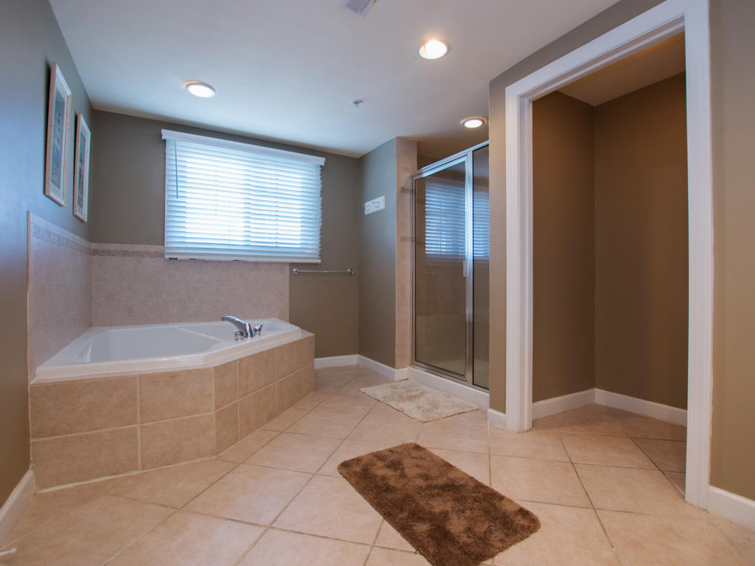 Artesia, 302 - Master Bathroom
