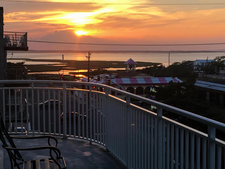 Artsia302_Sunset