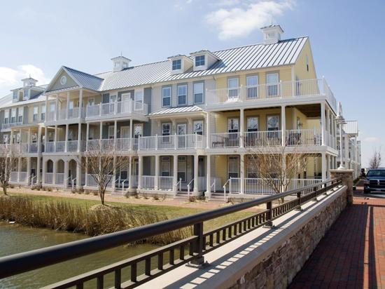 Sunset Island, 28 Canal Side Mews West - Exterior