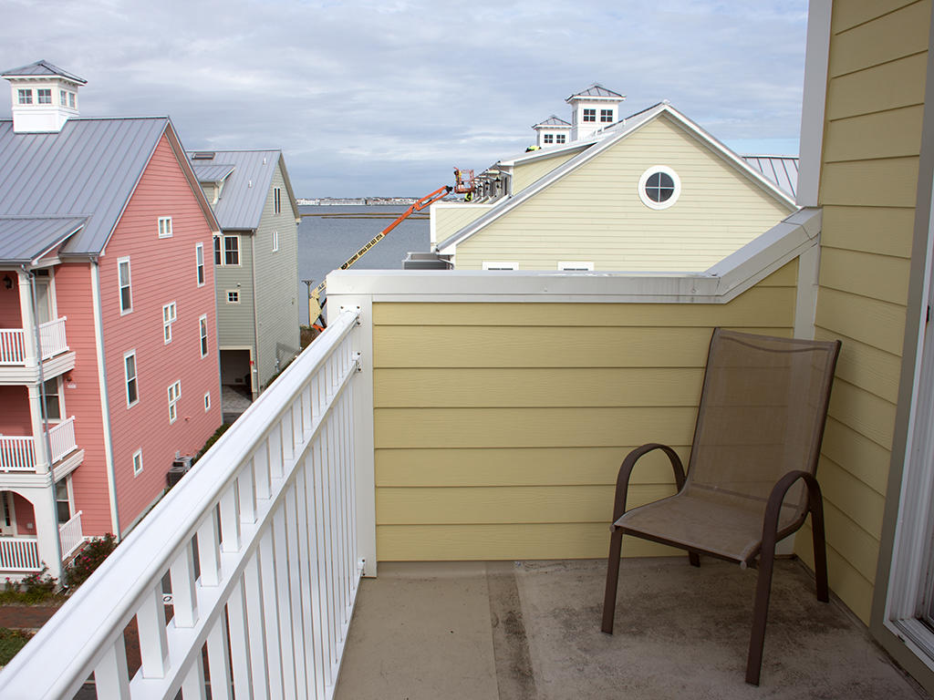 Sunset Island, 28 Canal Side Mews West - Top Floor Balcony