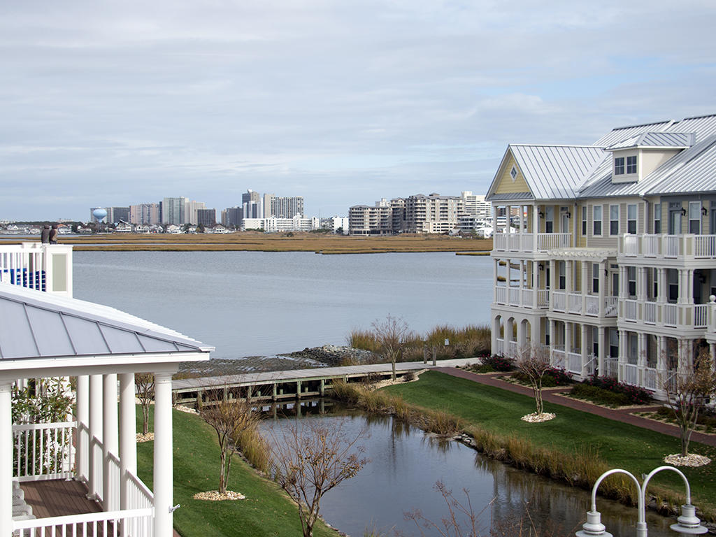 Sunset Island, 28 Canal Side Mews West - Balcony View