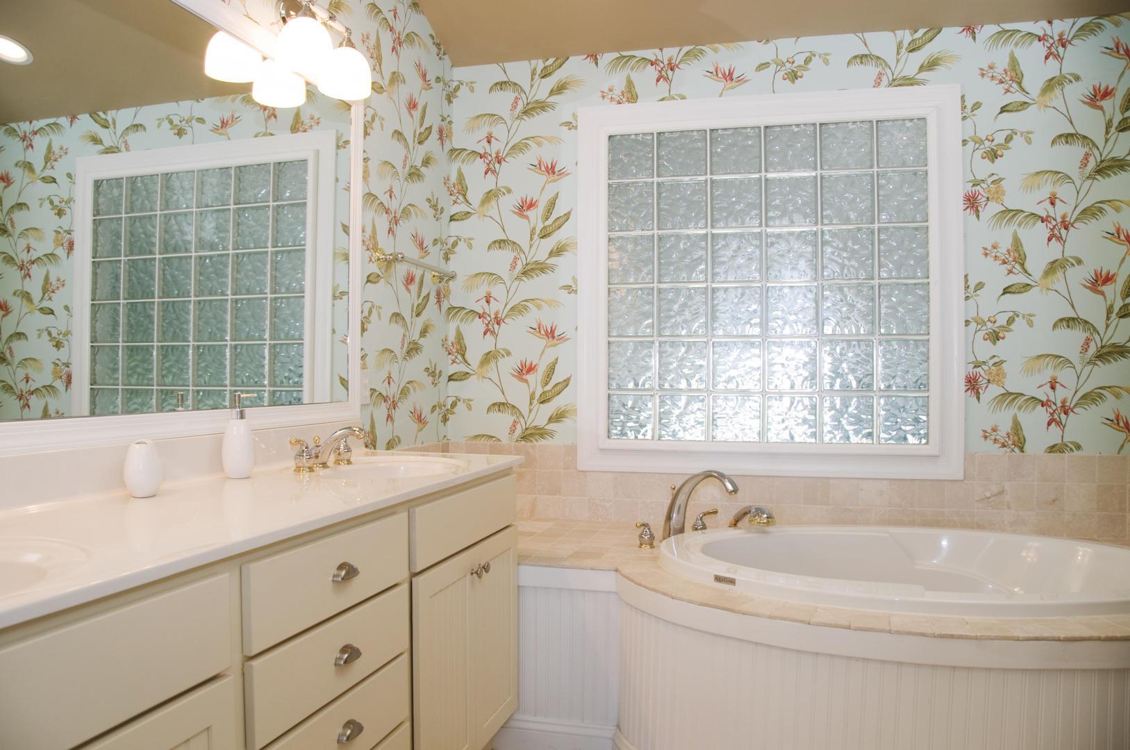 Salt Meadows 40142 - Master Bathroom
