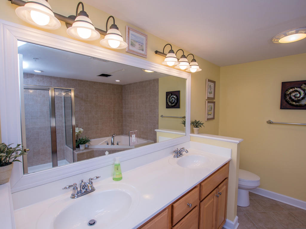 Bahia Vista, I 408 - Master Bathroom