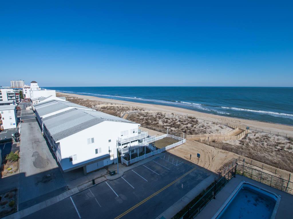 Summer Beach 605