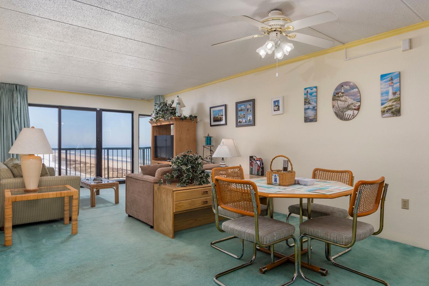 Summer Beach 605 - Dining Area