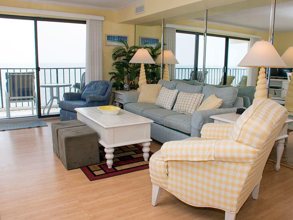Golden Surf, 701 - Living Room Area