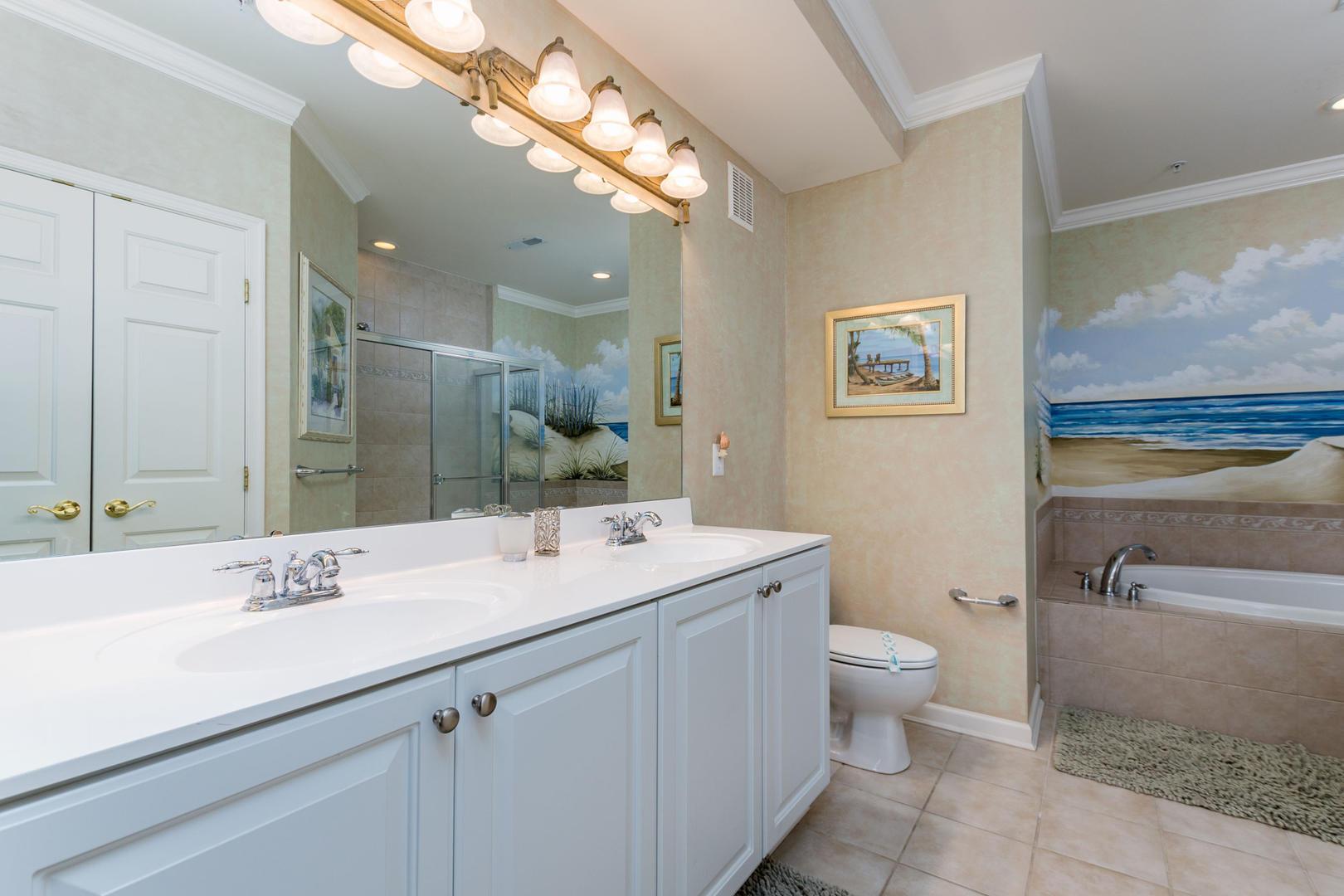 Sunset Island 6 HCW 2E - Master Bathroom