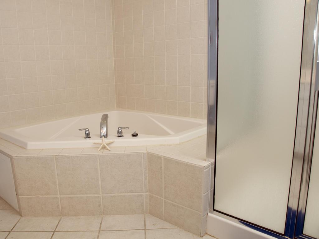 Sunset Pointe, 203 - Master Bathroom