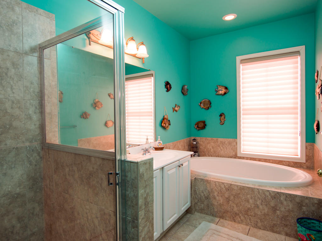 Sunset Island, 8 Beach Walk Lane - Master Bathroom