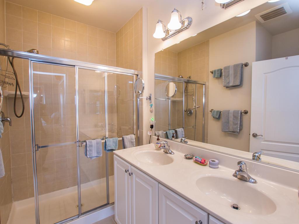 Glen Riddle, 304 - Master Bathroom