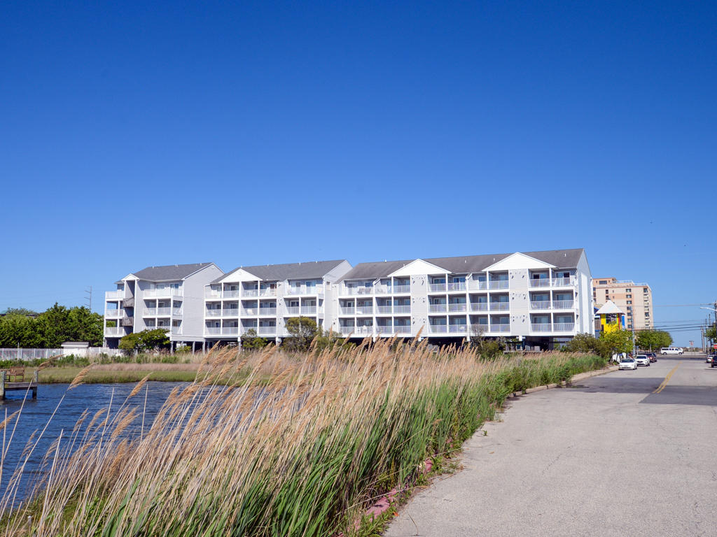 Oasis on the Bay, 103 - Exterior