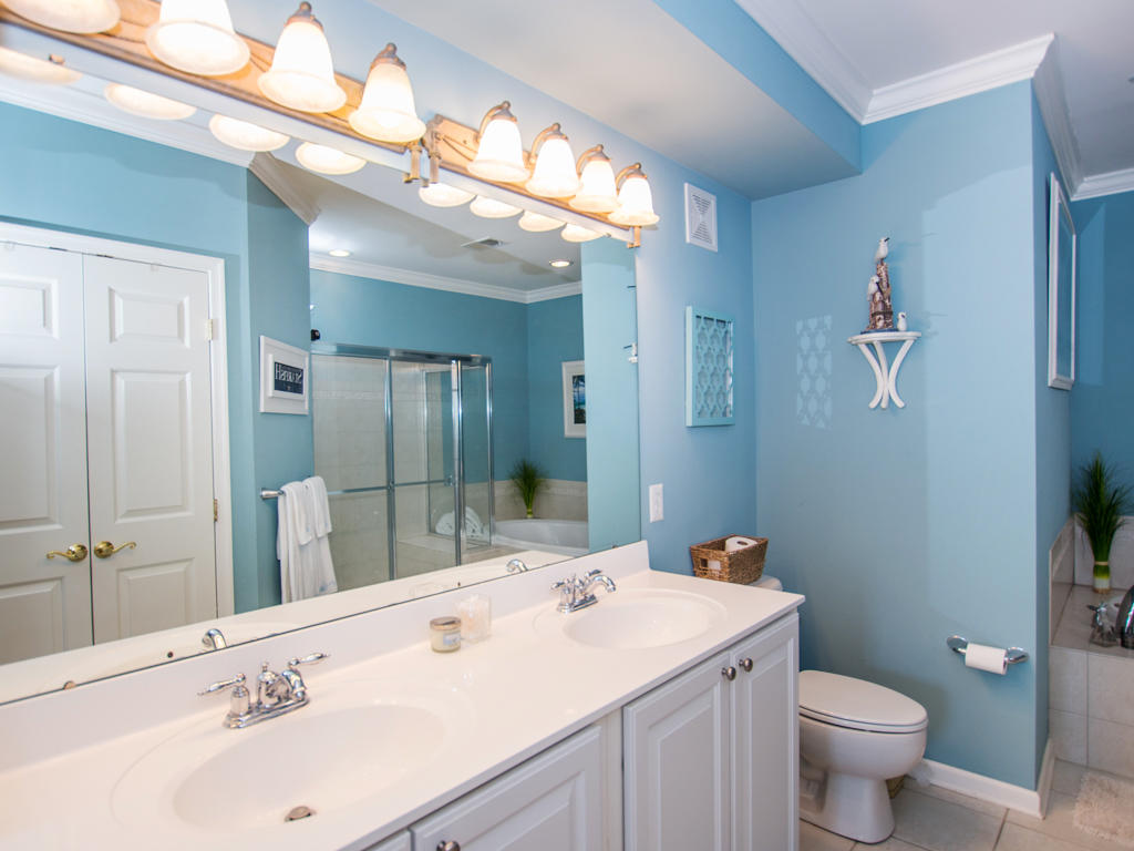 Sunset Island, 6 Fountain Drive East, 2C - Master Bathroom