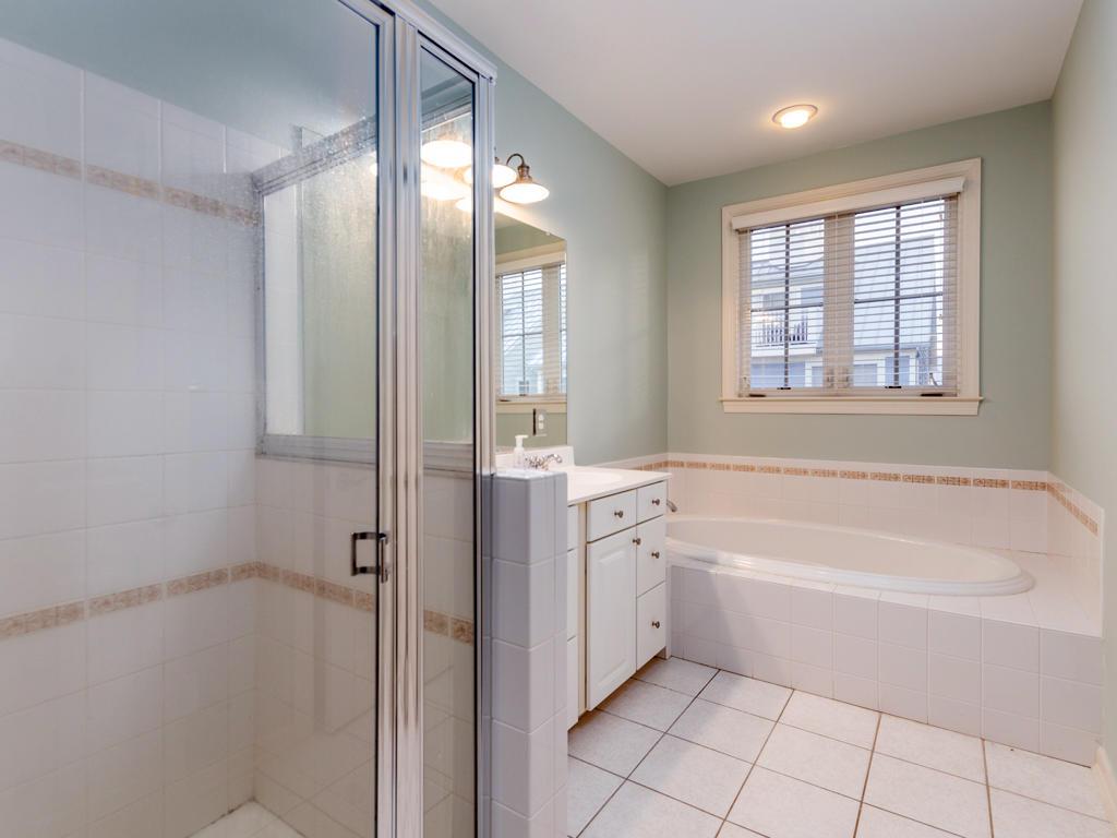 Sunset Island, 39 Sunset Island Drive - Master Bathroom